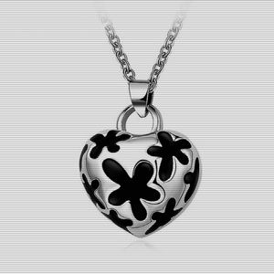 Stainless Steel Heart Shape Necklace Silver Tone